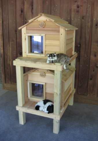 17-inch-cedar-cat-townhouse